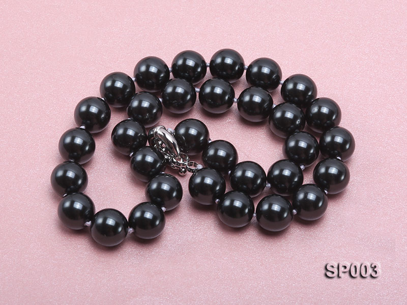 12mm shiny black round seashell pearl necklace big Image 3