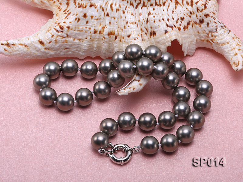 12mm dark grey round seashell pearl necklace big Image 3
