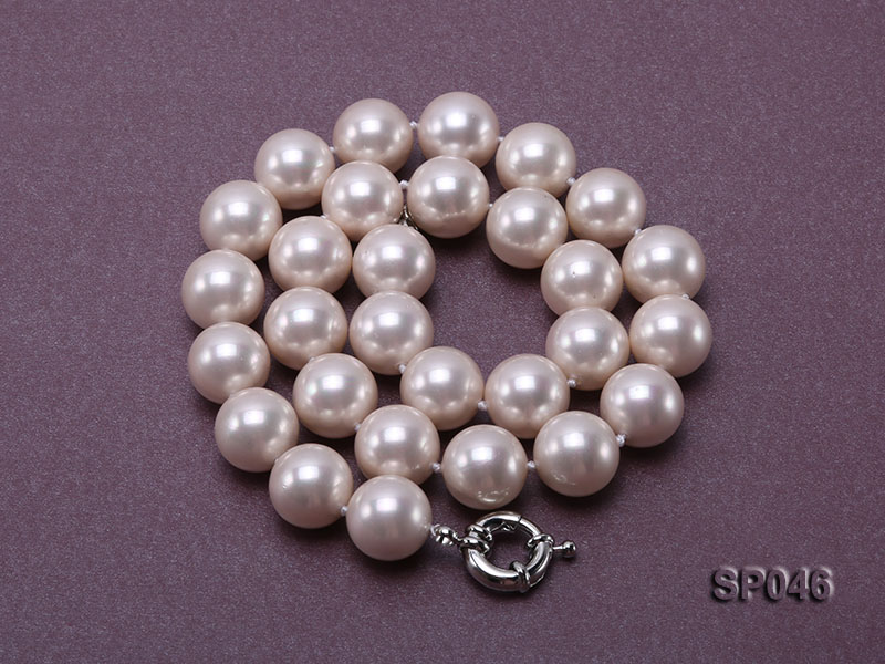 Gorgeous 14mm white round seashell pearl necklace big Image 4