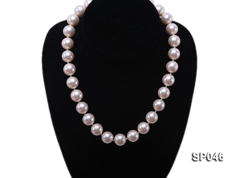 Gorgeous 14mm white round seashell pearl necklace big Image 5