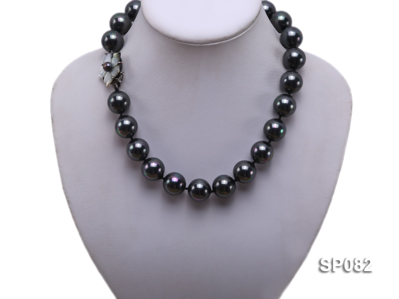 16mm black round seashell pearl necklace with a shell flower clasp big Image 5