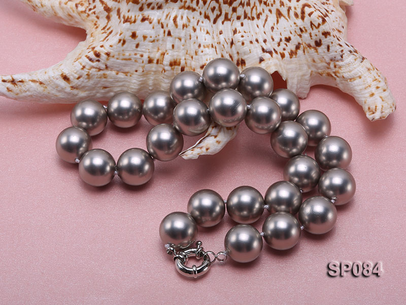 16mm shiny grey round seashell pearl necklace big Image 4