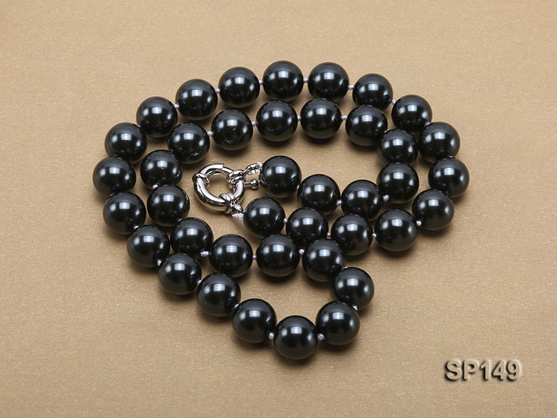 12mm black round seashell pearl necklace big Image 3