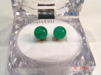 8.3mm green round jade  earrings with yellow gilded studs GE011