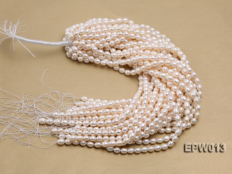 Wholesale Classic 8x9mm White Rice-shaped Freshwater Pearl String big Image 4