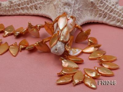 Classic 10x21mm Golden Leaf-shaped Freshwater Pearl Necklace FNI046 Image 3
