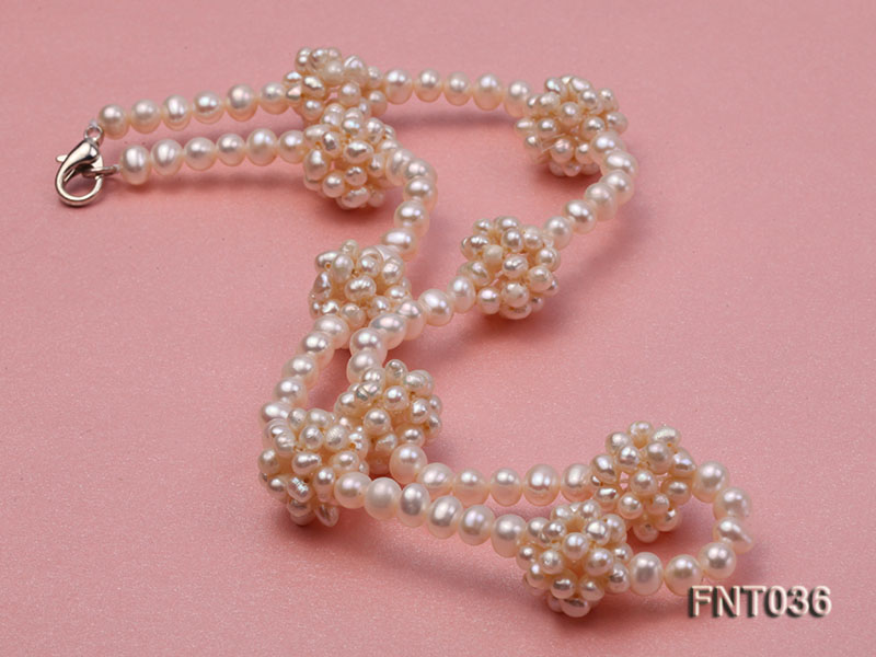 4.5mm White Freshwater Pearl Necklace and Bracelet Set big Image 3