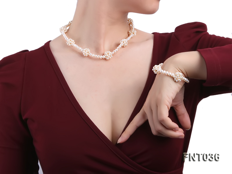4.5mm White Freshwater Pearl Necklace and Bracelet Set big Image 8