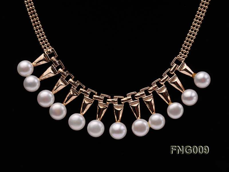 Gold-plated Metal Chain Necklace dotted with 8.5mm White Freshwater Pearls big Image 2