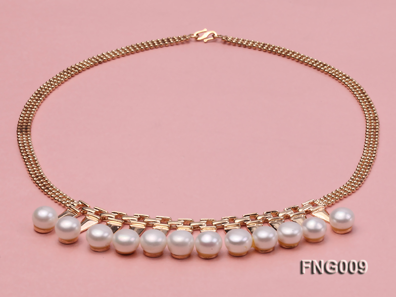 Gold-plated Metal Chain Necklace dotted with 8.5mm White Freshwater Pearls big Image 3