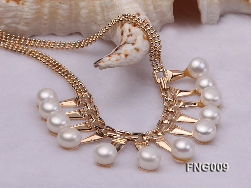 Gold-plated Metal Chain Necklace dotted with 8.5mm White Freshwater Pearls big Image 4