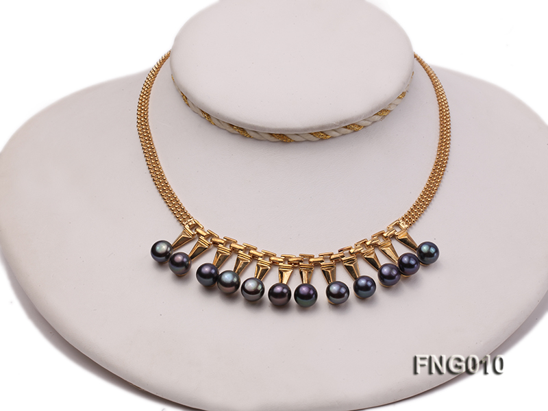 Gold-plated Metal Chain Necklace dotted with 8.5mm Black Freshwater Pearls big Image 1