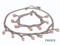 Gold-plated Metal Chain Necklace and Bracelet Set dotted with Pink Freshwater Pearls FNG020