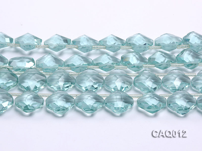 Wholesale 20mm Flower-shaped Transparent Simulated Aquamarine Pieces String big Image 2