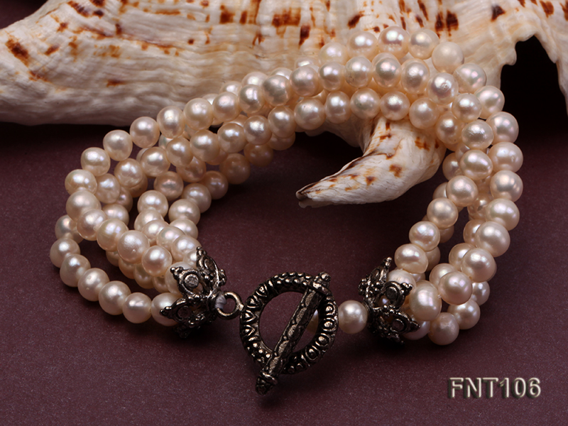 Five-strand 5-6mm White Freshwater Pearl Necklace and Bracelet Set big Image 5