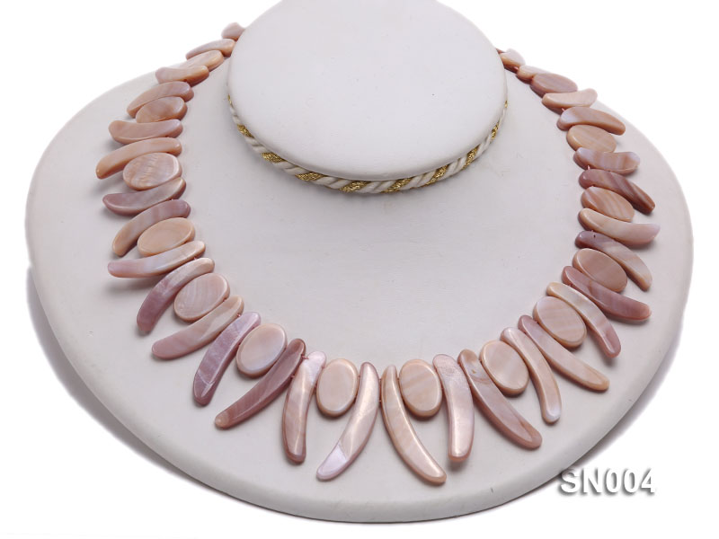 Oval and Ivory-shaped Lavender shell Necklace big Image 4