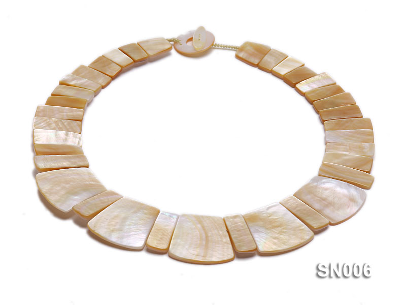 10x20-25x30mm White Shell Pieces Necklace big Image 1
