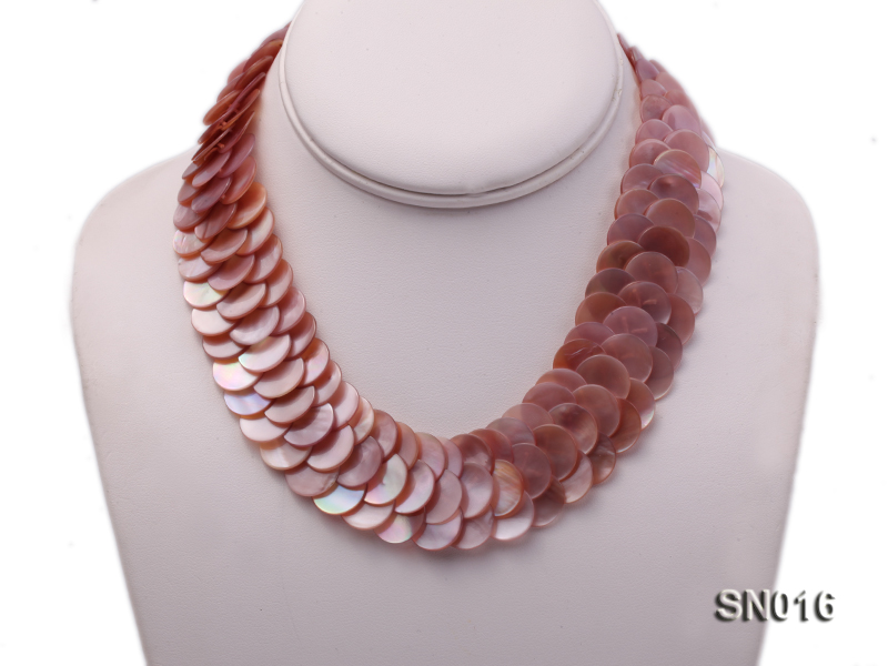 Button-shaped Lavender Shell Pieces Necklace big Image 3