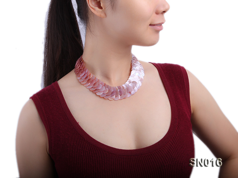 Button-shaped Lavender Shell Pieces Necklace big Image 8