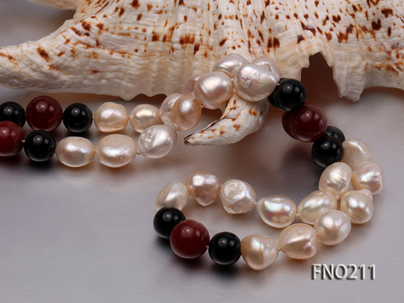 11-13mm natural pink baroque freshwater pearl with black and red agate necklace big Image 4