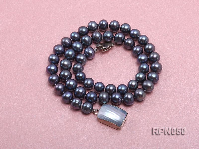 8-9mm Black Round Freshwater Pearl Necklace with Mabe Pearl Clasp big Image 3