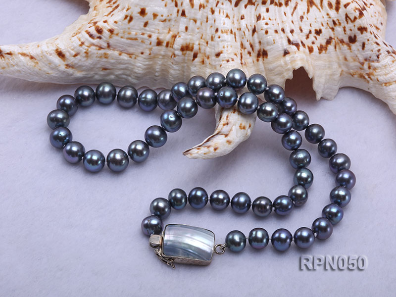 8-9mm Black Round Freshwater Pearl Necklace with Mabe Pearl Clasp big Image 4