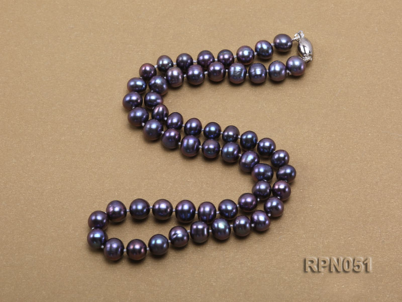 Fashionable Single-strand 7-7.5mm Black Round Freshwater Pearl Necklace  big Image 3
