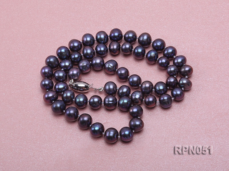 Fashionable Single-strand 7-7.5mm Black Round Freshwater Pearl Necklace  big Image 4