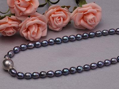 6-6.5mm black rice freshwater pearl necklace with black seashell beads FNS014 Image 4