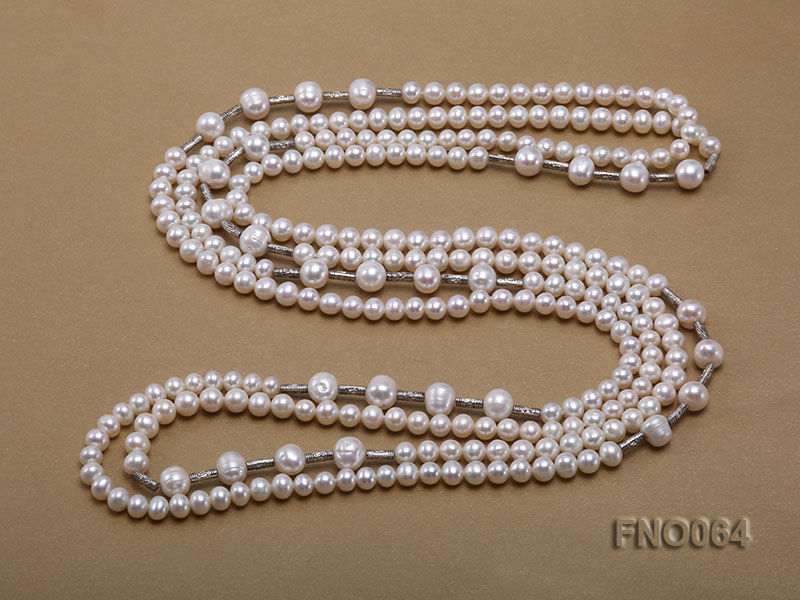 7-7.5mm white round pearls alternated 10-10.5mm white pearls and white gilded tube necklace big Image 4