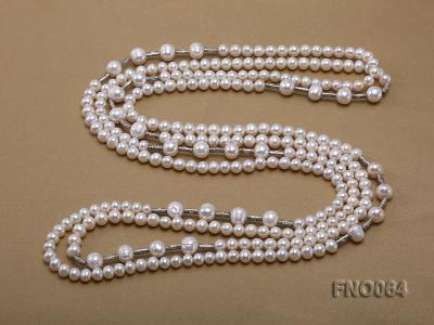 7-7.5mm white round pearls alternated 10-10.5mm white pearls and white gilded tube necklace FNO064 Image 4