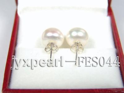 9.5mm White Flat Cultured Freshwater Pearl Earrings FES044 Image 3