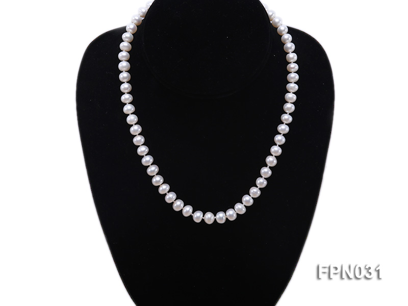 Classic 8.5-9.5mm White Flat Cultured Freshwater Pearl Necklace big Image 4