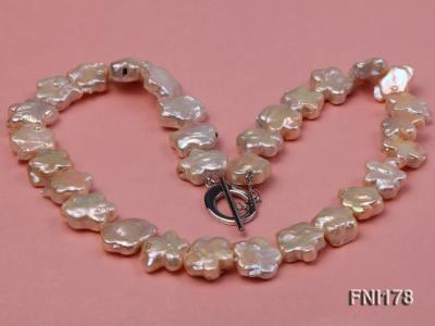 Classic 15mm Pink Flower-shaped Freshwater Pearl Necklace FNI178 Image 3