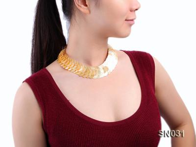 Natural Button-shaped Yellow Shell Pieces Necklace SN025 Image 8