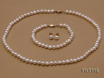 6-6.5mm White Freshwater Pearl Necklace, Bracelet and Stud Earrings Set FNT118 Image 3