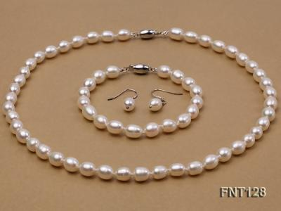 7.5x9mm White Freshwater Pearl Necklace, Bracelet and Stud Earrings Set FNT128 Image 1