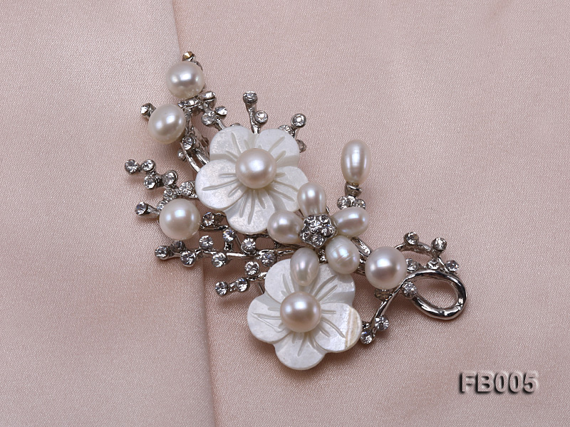 Gold Plated Brooch with Freshwater Pearls, Flower-shaped Seashells and Rhinestone Beads big Image 4