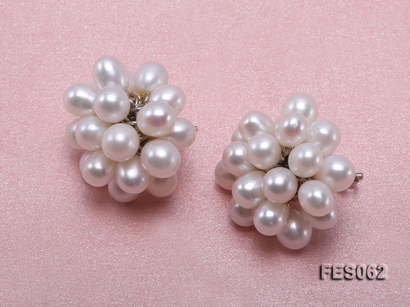6x7mm White Rice-shaped Cultured Freshwater Pearl Earrings big Image 2