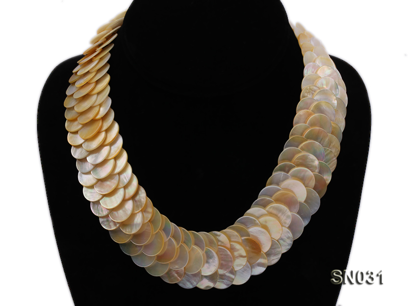 Natural Button-shaped White Shell Pieces Necklace big Image 3