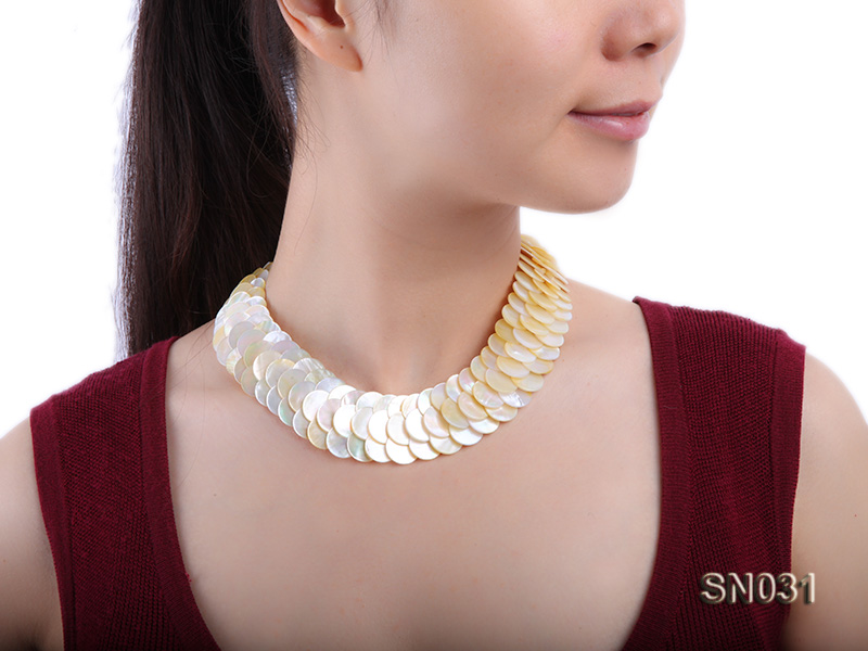 Natural Button-shaped White Shell Pieces Necklace big Image 8
