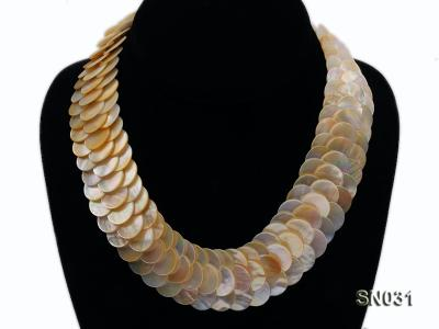 Natural Button-shaped White Shell Pieces Necklace SN031 Image 3