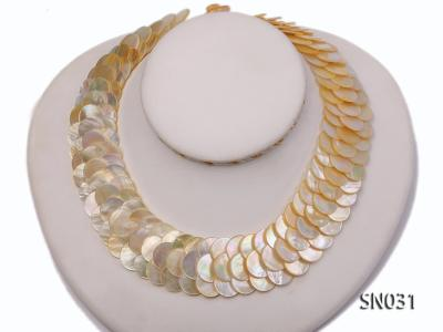 Natural Button-shaped White Shell Pieces Necklace SN031 Image 1