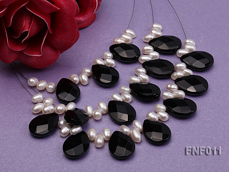 Three-Row 4-6mm White Freshwater Pearl and 9x12mm Black Agate Beads Necklace big Image 3
