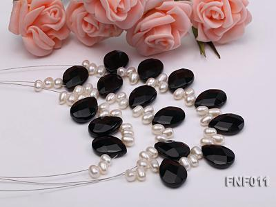 Three-Row 4-6mm White Freshwater Pearl and 9x12mm Black Agate Beads Necklace FNF011 Image 2