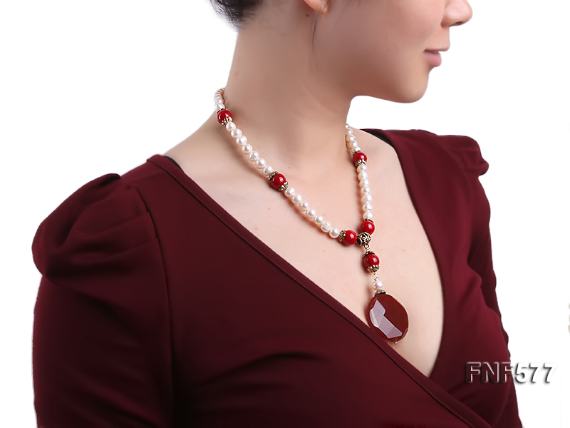 8-9mm White Freshwater Pearl, 12mm Red Coral Beads Necklace with a Red Disc-shaped Agate Pendant big Image 6