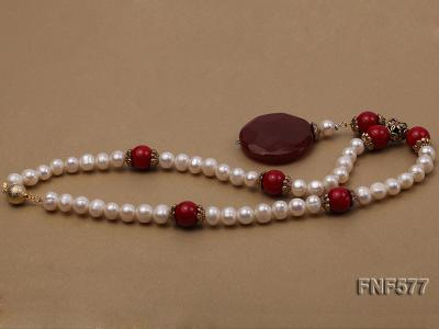 8-9mm White Freshwater Pearl, 12mm Red Coral Beads Necklace with a Red Disc-shaped Agate Pendant FNF577 Image 5
