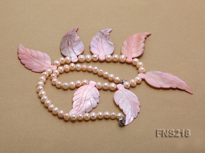 natural 6-7mm pink round freshwater pearl necklace with pink shells big Image 3