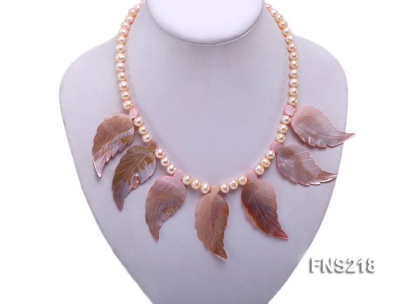 natural 6-7mm pink round freshwater pearl necklace with pink shells big Image 4