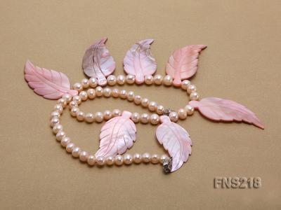 natural 6-7mm pink round freshwater pearl necklace with pink shells FNS218 Image 3